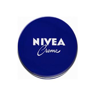 ニベアの青缶(花王)
