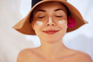 徹底的に日焼けを防ぐ! 皮膚科で買える オススメ日焼け止め4選