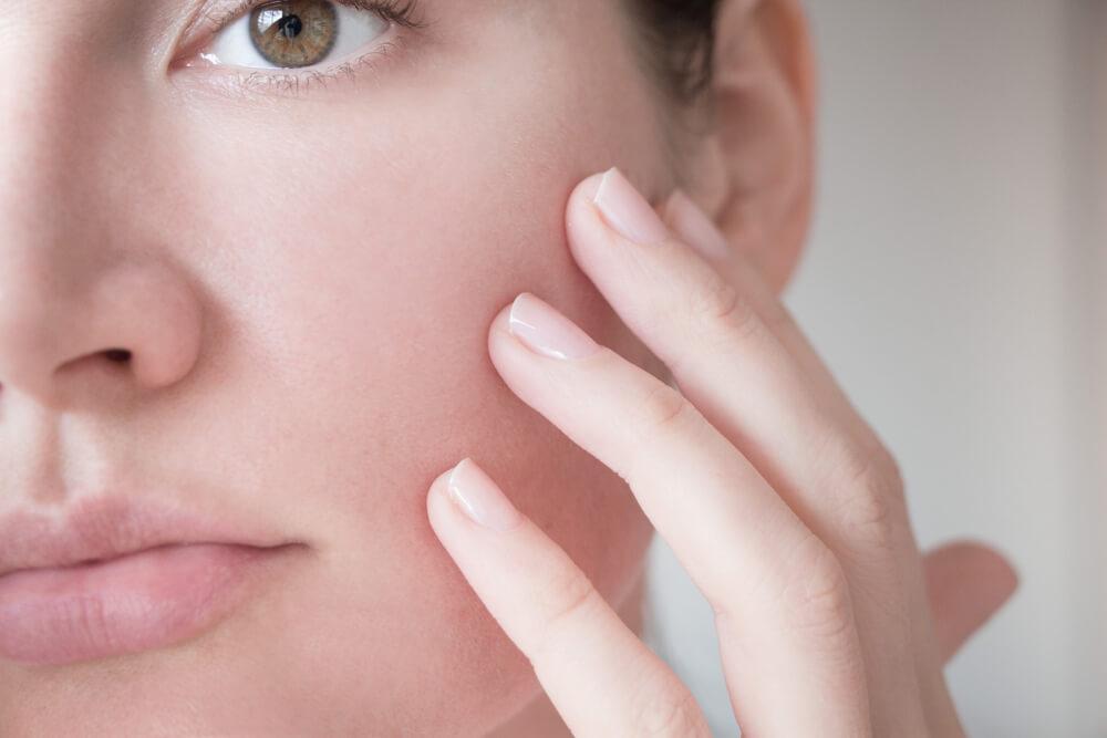 あなたの毛穴の黒ずみはどのタイプ?3つの症状別原因を解説