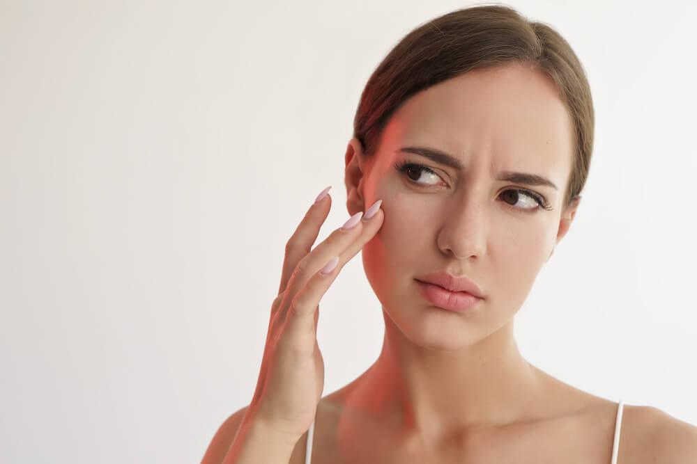花粉症による肌荒れの原因と症状