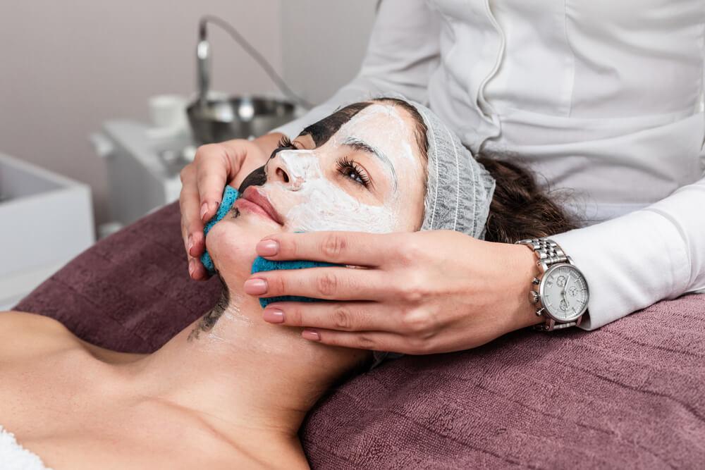 「初めての美容医療」アンケート・結果を発表