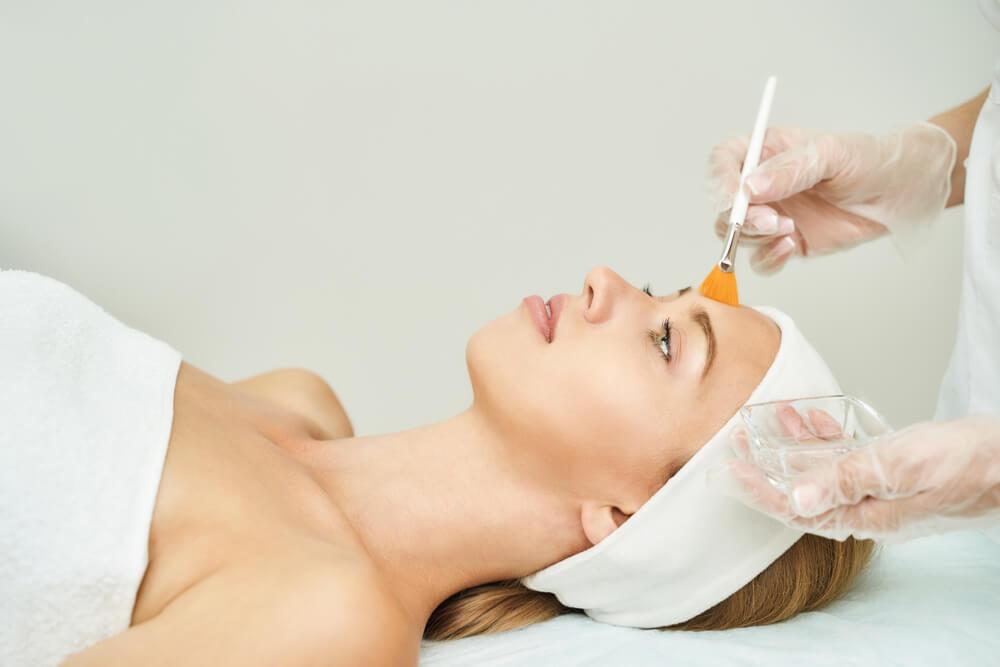 「ニキビ」「毛穴の黒ずみ」改善オススメ美容医療