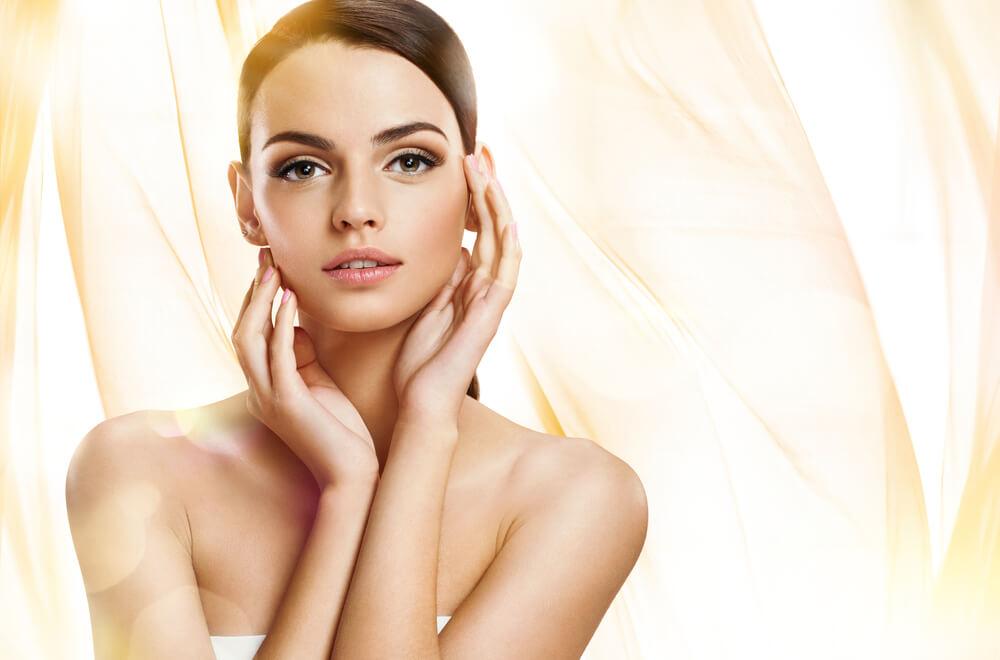 美肌の決め手は「透明感」!透明美白肌を邪魔する皮膚トラブルとは?