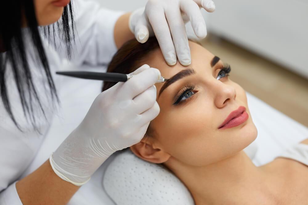 眉毛のアートメイクの施術の流れを解説