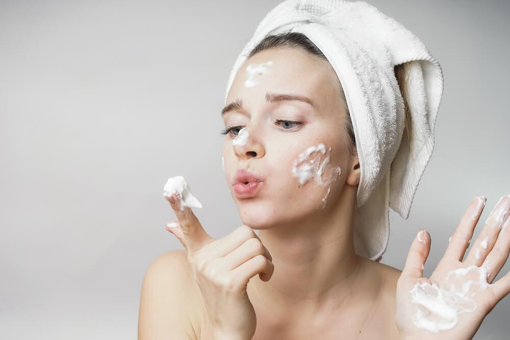 いきなり美白化粧品…ではなく、まずは洗顔から。