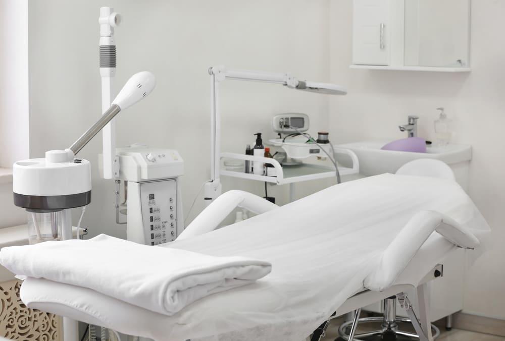 美容クリニックではどんな施術が受けられる?